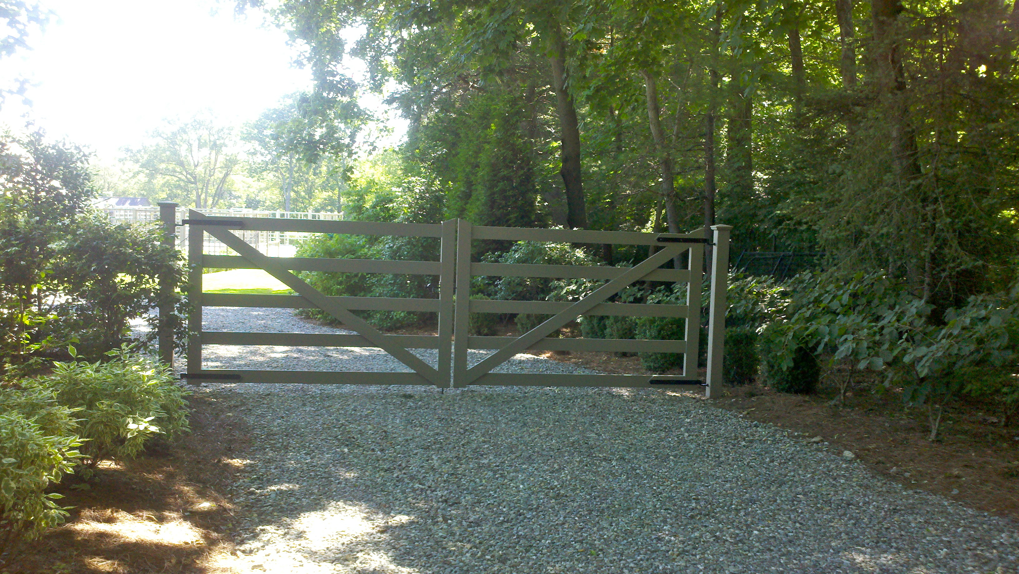 Red Fox Fence Driveway Gate