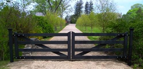 Red Fox Fence Black Driveway Gate