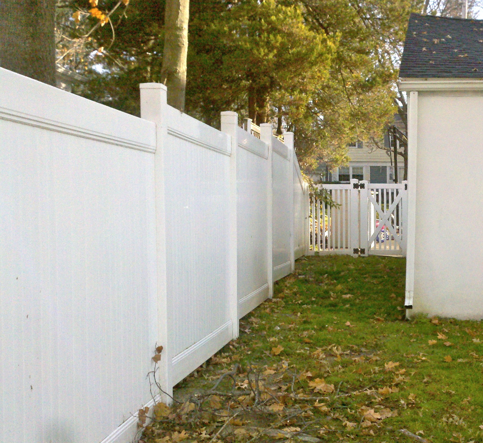 Red Fox Fence White Vinyl Fencing