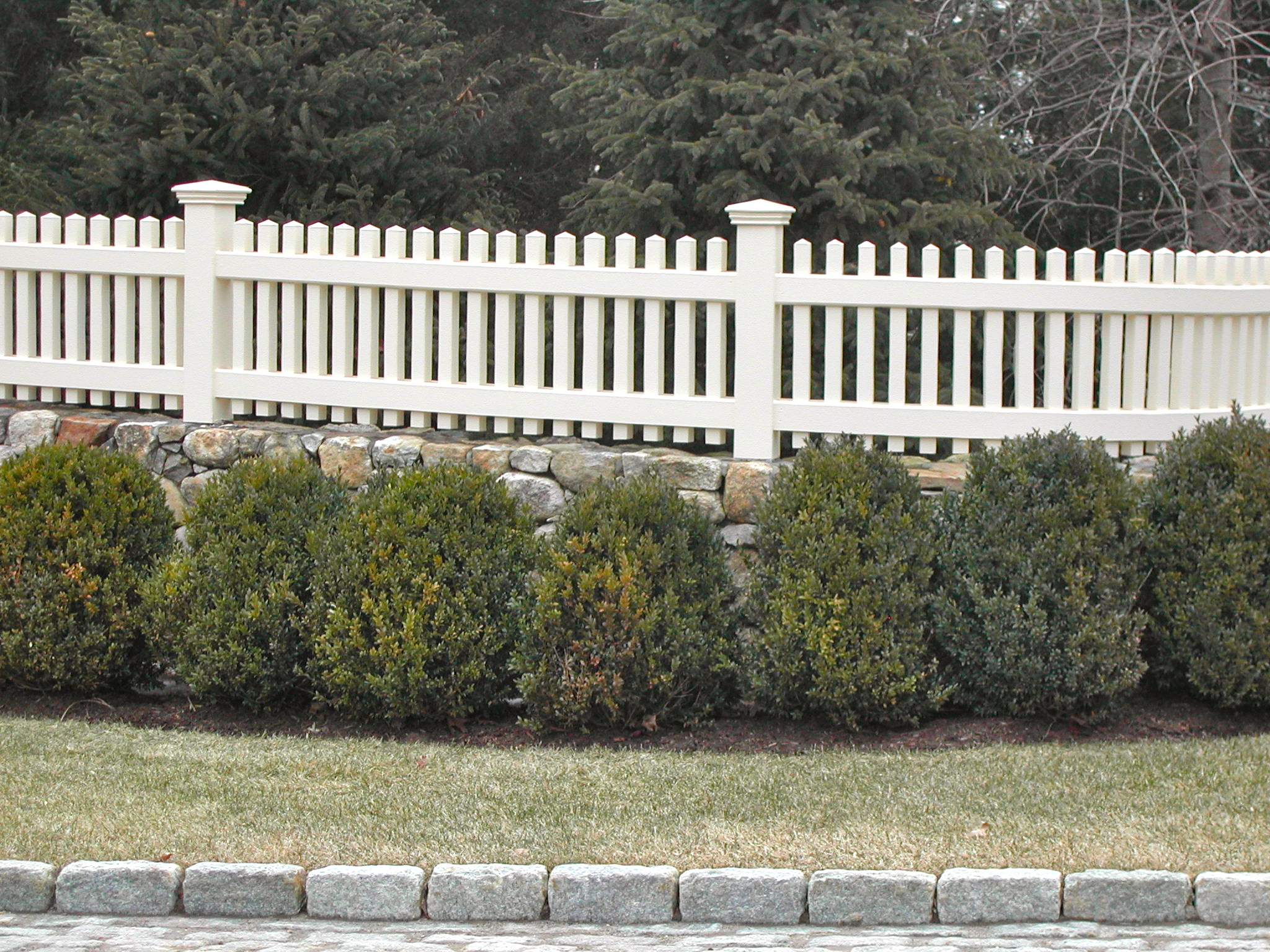 Red Fox Fence PVC Picket Fence